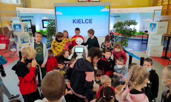 Edukacja poprzez zabawę – udział uczniów naszej szkoły w projekcie Mobilne Centrum Edukacji – Turystyczna Szkoła
