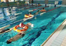 Niecodzienna lekcja na basenie